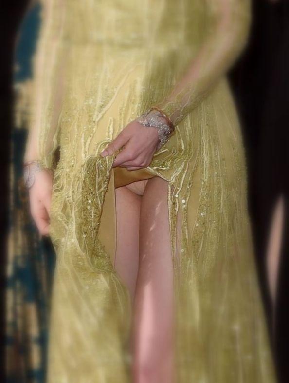 Celana-Dalam-Emma-Stone-Terlihat-Saat-Menghadiri-Ajang-Oscar-2015-1