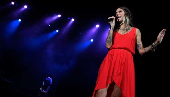 Christina-Perri-Tampil-di-Java-Jazz-2015
