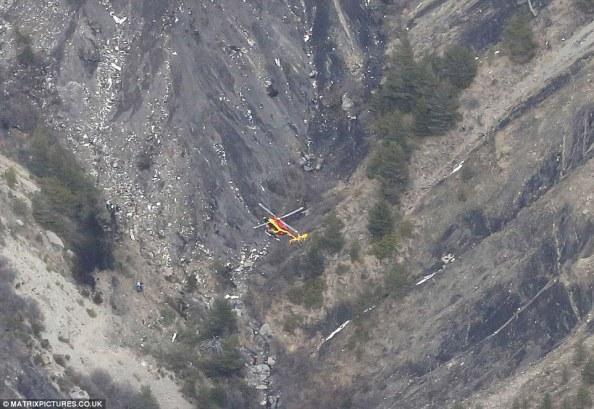 Detik-detik-Jatuhnya-Pesawat-Germanwings-di-Prancis
