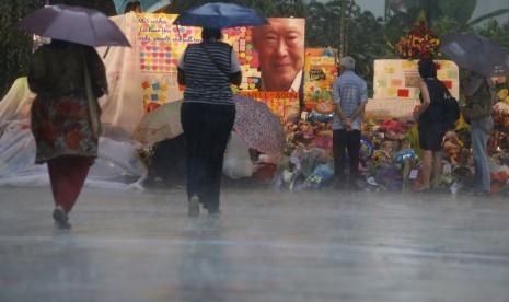 Lee Kuan Yew Meninggal Singapura Menangis